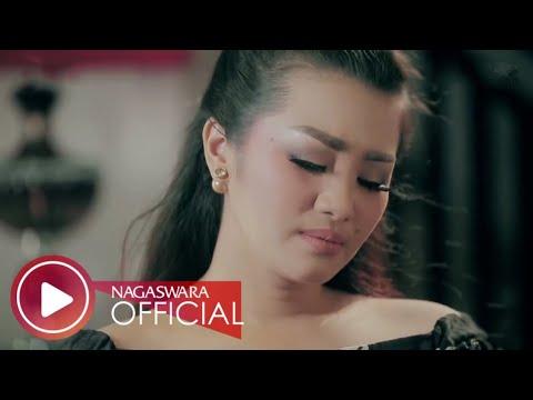 Fitri Carlina - Pujaan Hati (Official Music Video NAGASWARA) #music