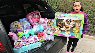 Video KIDS REACT! Tiana Is Giving Away Her Toys! MP3, 3GP, MP4, WEBM, AVI, FLV Desember 2018