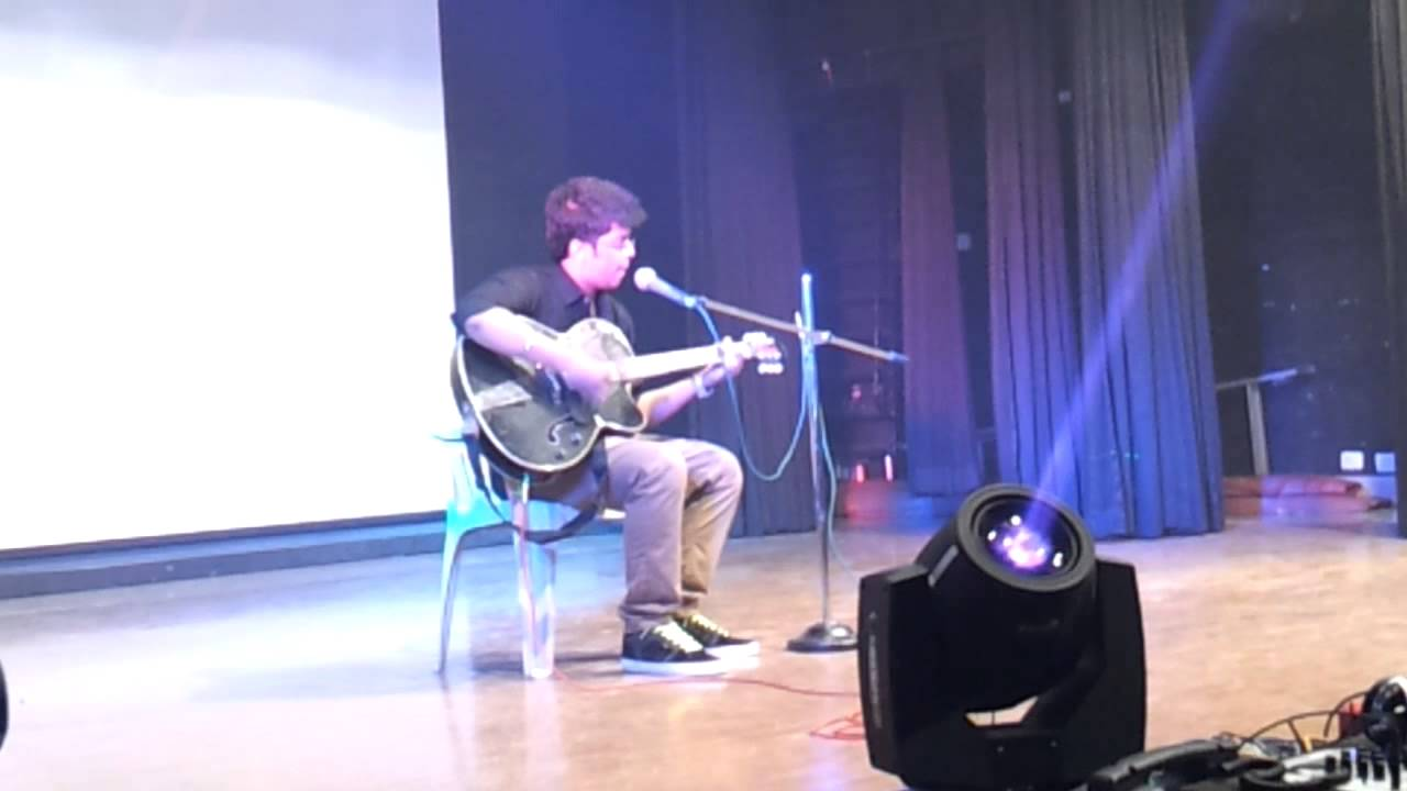 Gulabi Aankhen and College Days Guitar Performance at N.K College