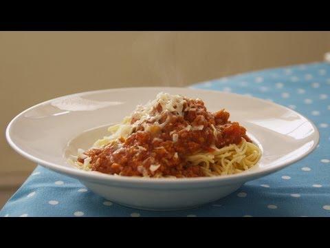 Spaghetti Bolognaise | De Keuken van Sofie | VTM Koken