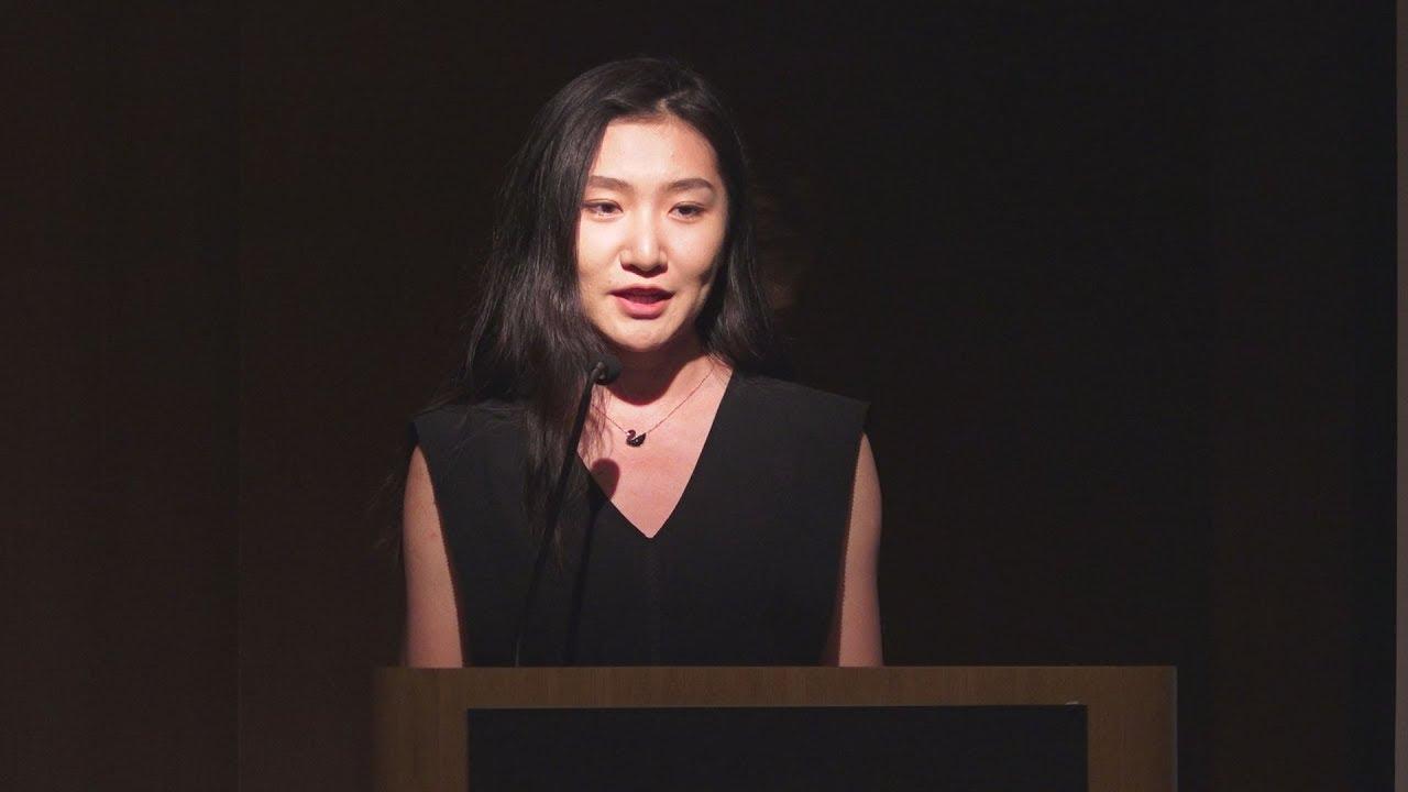 Aπόσπασμα ομιλίας της  Γ.Φενγκ, στην παρουσίαση της ανανεωμένης ιστοσελίδας του ΑΠΕ ΜΠΕ