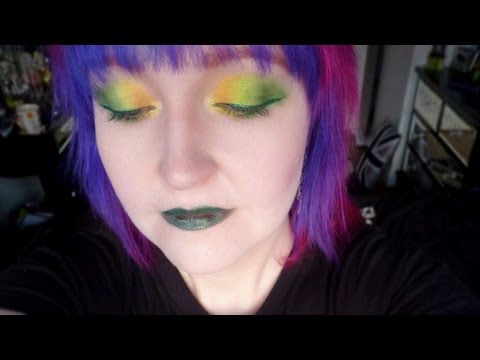 Conventional Weapons Number Two Eye Shadow Look (видео)