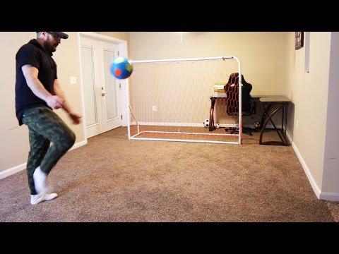 INDOOR HOUSE FOOTBALL!! (видео)