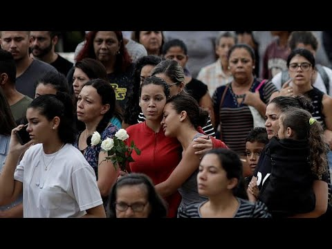 Θρήνος στις κηδείες  των θυμάτων στο Σάο Πάολο
