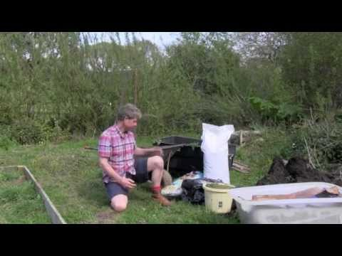 HOW TO MAKE A NO DIG BED IN UNDER 30 MINUTES