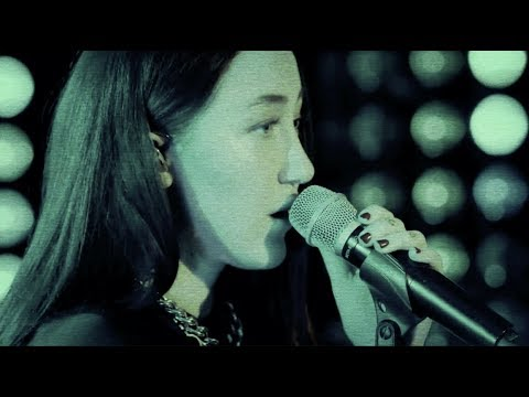 Alan Walker  - All Falls Down Live (Stripped Down Version w/ Noah Cyrus & Juliander) - Thời lượng: 3:16.