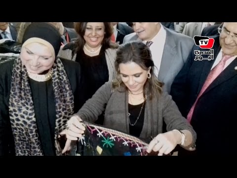 وزيرة التعاون الدولي تتفقد معرض للمشروعات الصغيرة بسوهاج
