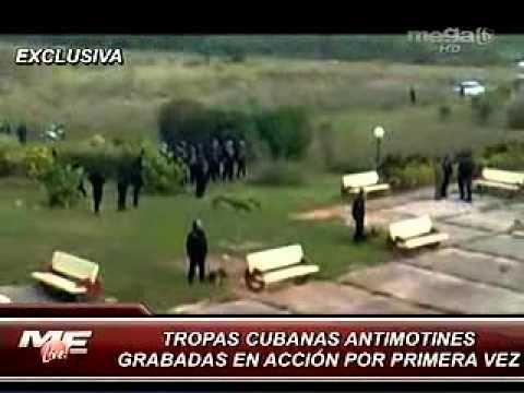 Fuerzas antimotines contra estudiantes pakistaníes en Cuba