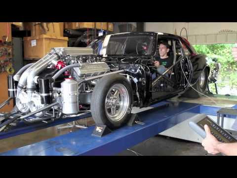 Watch a pair of F2 chargers put out 1,600 Horsepower