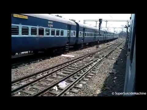 Kanpur - Longest Parallel Action In Kanpur Central Between LTT GKP 12542 And Bikaner-Howrah Link SF Express/22308 Location : Kanpur.