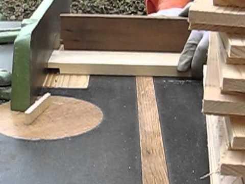 3. Izrada pokrovne daske, Making the cover board for the bees.mp4
