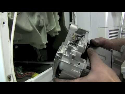 Waschmaschine Siemens Siwamat XLS 1030 Motor ausbauen und Kohlebürsten austauschen