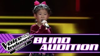 Video Kathlynn - It's Oh So Quiet | Blind Auditions | The Voice Kids Indonesia Season 3 GTV 2018 MP3, 3GP, MP4, WEBM, AVI, FLV Juli 2018