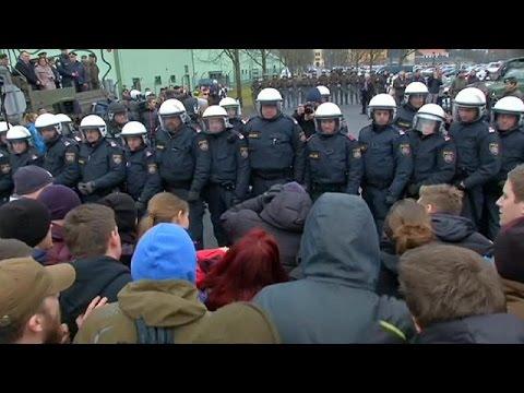 Αυστρία: Αμετακίνητη στην επιβολή πλαφόν για την είσοδο μεταναστών