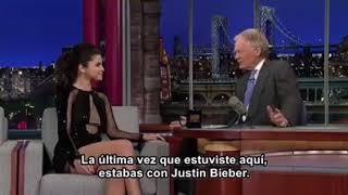 Selena Gomez y sus respuestas epicas 😂😂