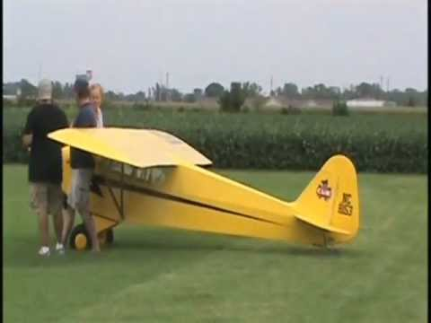 3/4 Super Giant 75% pipercub the Largest RC piper cub in the world.