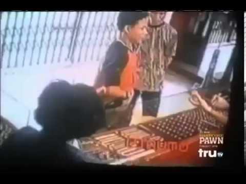 Chủ quán bắn hạ tên cướp có súng