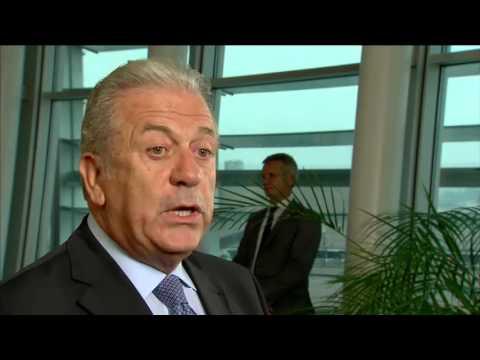 Δ. Αβραμόπουλος: Να εφαρμοστεί άμεσα η απόφαση για μετεγκατάσταση 120.000 προσφύγων