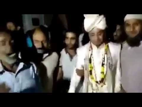 Video Kashmiri Wedding Reverberates With Azadi Slogans download in MP3, 3GP, MP4, WEBM, AVI, FLV January 2017