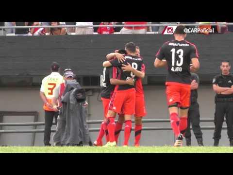 Gol de Mora de penal vs. Quilmes