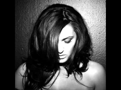Tekst piosenki Alyssa Reid - Radio Silence po polsku
