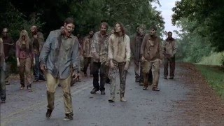 The Walking Dead 5x10 - Pushing Walkers Off The Road [HD 1080p Blu-Ray]