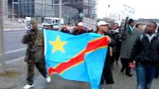 La marche des congolais de Berlin devant Kanzleramt