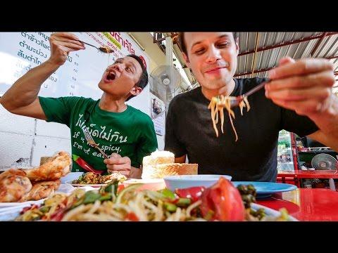 Thai Street Food in Bangkok with The Food Ranger - AUTHENTIC Local Tour! กินอาหารไทย4ภาคในหนึ่งวัน