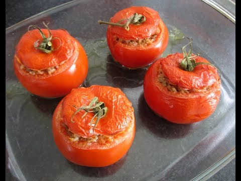 Stuffed tomatoes with beef