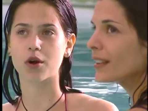 Presença de Anita - Anita provocando o Nando na piscina