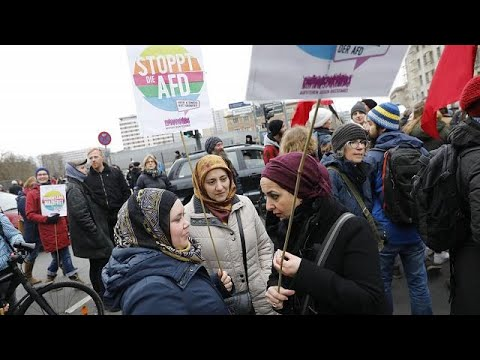 1.000 Demonstranten blockieren AfD-nahen Frauenmarsch