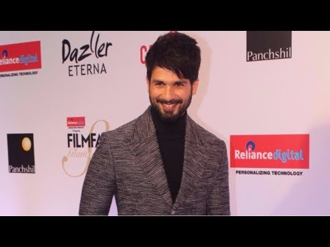 Shahid Kapoor Attends Red Carpet Of Filmfare Glamour & Style Awards 2017