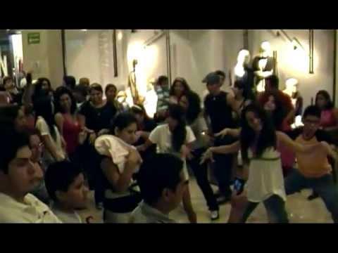 Flashmob Galerías Diana. Día de muertos