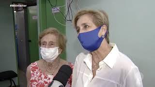 Idosos acima de 90 anos são imunizados em Bauru contra a Covid-19