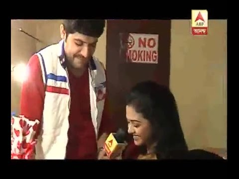Video Valentine's Day Special:: Anurag's special gift to Meghla in Hoy maa noy bouma download in MP3, 3GP, MP4, WEBM, AVI, FLV January 2017