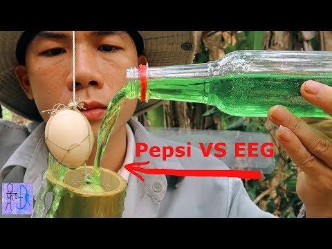 Thử Ủ Nước Sting Xanh VS Trứng Gà Trong Ống Tre Và Kết Quả Bất Ngờ .Trứng Xanh Ruột Đỏ .EGG VS PEPSI - Thời lượng: 17:21.