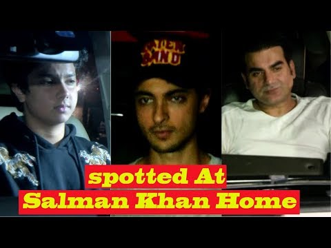 David Dhavan, Aayush Sharma,Arbaaz Khan And Many Other Spotted At Salman Khan Home