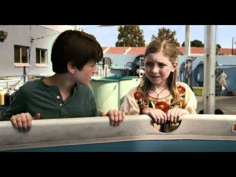 watch Dolphin Tale trailer