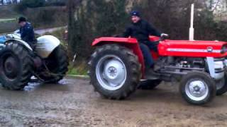 Ford 3000 vs Massey Ferguson 135