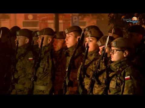 Apel poległych, kwiaty i przemówienia. Żołnierze świętują rocznicę odzyskania niepodległości