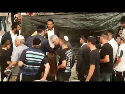 """צפו: מרן הגרש""""מ עמאר והרב שלמה דידי בסליחות בקבר הרמב""""ם"""
