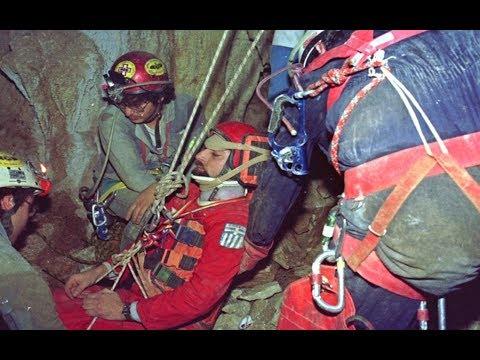 100 ώρες στα έγκατα  της γής. Οι γνωστές και άγνωστες πλευρές της διάσωσης στο σπήλαιο της Κρήτης