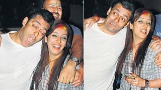 Video Bollywood Actors Caught Drunk In Public | Salman Khan, Shahrukh Khan, Ranveer Singh MP3, 3GP, MP4, WEBM, AVI, FLV Oktober 2017