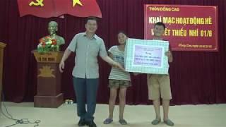 Lãnh đạo huyện Hoành Bồ thăm, tặng quà tết Thiếu Nhi 1-6