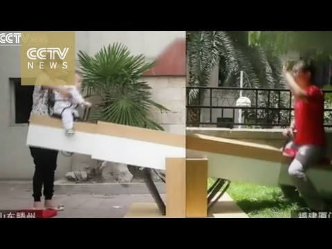 Dad Builds the World s Longest Seesaw so that he can play with His Son 730 Miles
