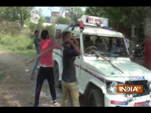 Watch: RJD youth wing vandalise police vehicle in Bihar's Nalanda district
