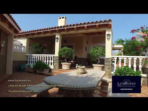 Вилла в Ла Нусии всего за 195.000 евро с теннисными кортами и бассейном в урбанизации!