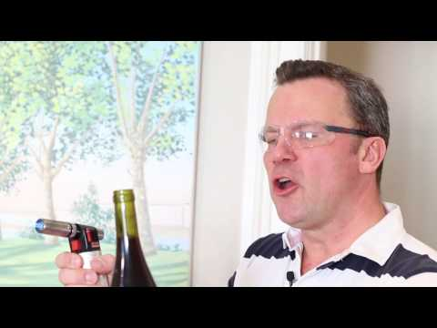 How to open a bottle of wine with a blow torch! 9 wine wine tip!