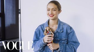 Video 73 Questions With Gigi Hadid | Vogue MP3, 3GP, MP4, WEBM, AVI, FLV Juni 2018