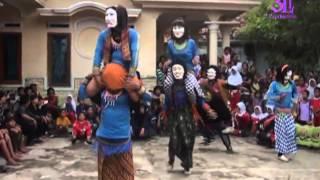 Download Lagu Atraksi - Singa Dangdut Putra Nyai Sariti - HD 720p Mp3